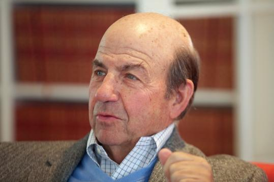 New Yorker writer Calvin Trillin's new collection of essays takes delight in poking fun at the powerful and wealthy.