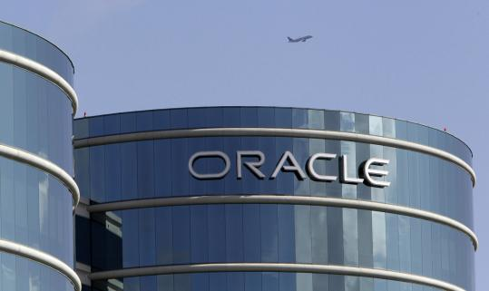 Oracle Corp.'s net income in the quarter ended Aug. 31 rose to $1.84 billion, up from $1.35 billion a year earlier.