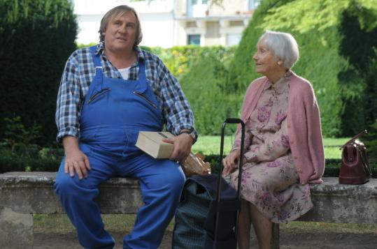 Gérard Depardieu plays a small-town handyman and Gisèle Casadesus is an elegant older woman with whom he bonds.