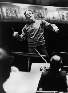 Mr. Sanderling conducted the New York Philharmonic in 1984.
