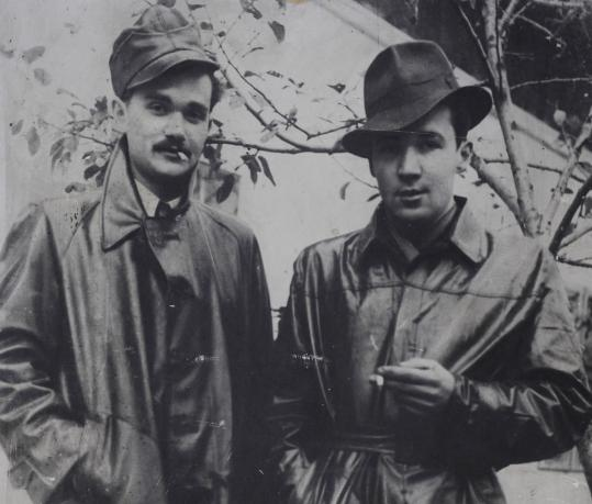 Jerzy Bielecki (right) with his brother Leszek in 1944.