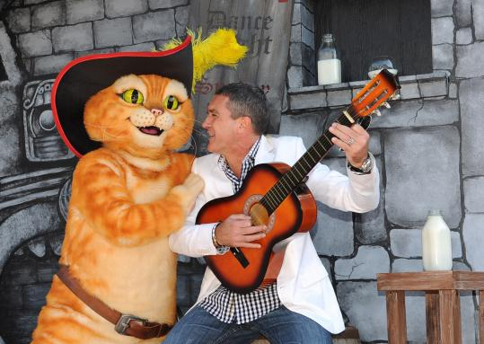 Actor Antonio Banderas is the voice of the cat Puss in Boots in both Spanish and English versions of the film.