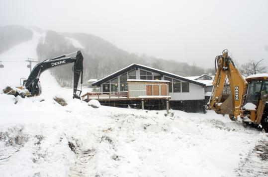 A well-timed snowstorm, after rebuilding and just before Thanksgiving weekend, gave Killington what it needed to start attracting skiers.