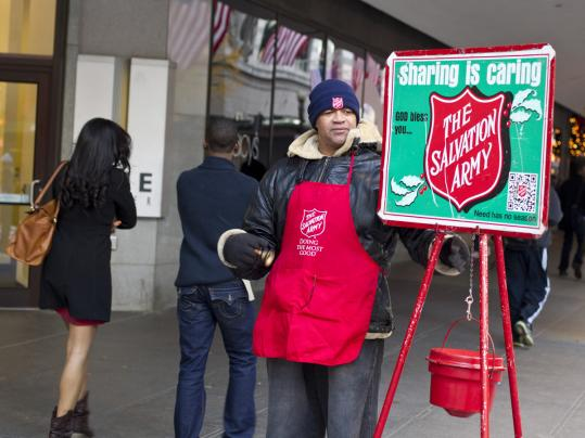 The Massachusetts Salvation Army, searching for a way to boost giving this holiday season, has equipped its corps of volunteer bell-ringers to also accept donations through smartphones.