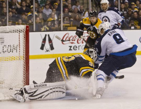 The Jets' Evander Kane kicked up an ice storm while beating the Bruins' Tim Thomas to give Winnipeg a 1-0 lead.
