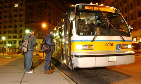 Night Owl buses picked up passengers on several routes on weekends. The service ended in 2005.