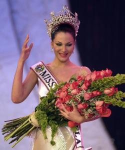 Eva Ekvall, who won the Miss Venezuela 2000 beauty pageant, worked as a model, actress, and television news anchor.