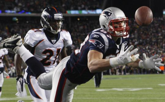 Patriots tight end Rob Gronkowski caught New England's second touchdown last night on a 10-yard pass from Tom Brady.