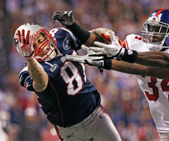 Aaron Hernandez carried the Patriots in the first half of the Super Bowl but had two big drops down the stretch.