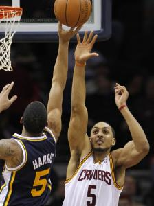 Ex-Cavalier Ryan Hollins is high on the Celtics' radar.