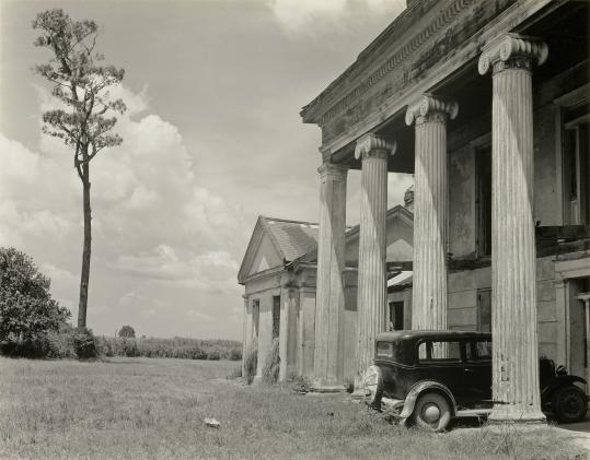 "On the road with Edward Weston: ""Woodlawn Plantation House, Louisiana"" and ""White Sands, New Mexico,'' both from the Lane Collection."