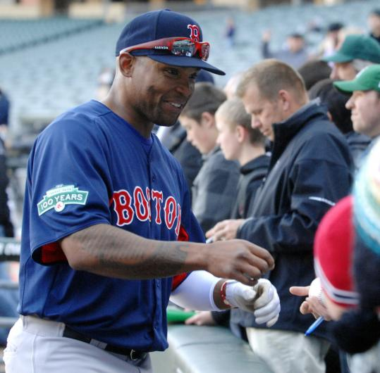 Marlon Byrd, who is familiar to Chicago fans, signed autographs at US Cellular Field Thursday.