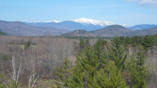 Above: The highest peak in the Northeast dominates the Mount Washington Valley. Below: the North Conway Scenic Railroad.