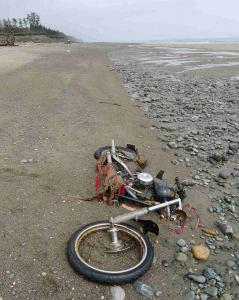 A Canadian said he found this Harley-Davidson motorcycle on a beach in Graham Island.