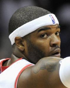 Josh Smith's aching left knee forced him out of Game 2 with 4:20 to play.