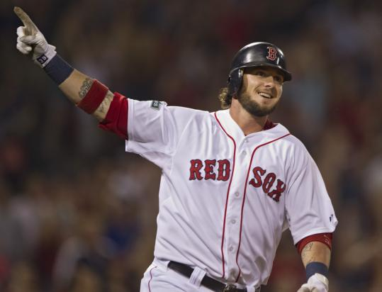 Jarrod Saltalamacchia put an exclamation point on the Sox' win with a two-run walkoff homer.