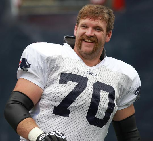 Pro Bowl guard Logan Mankins acknowledged that playing in the Super Bowl with two balky knees was tough.