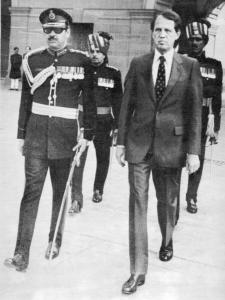Mr. Barnes arriving at the presidential palace in New Delhi.