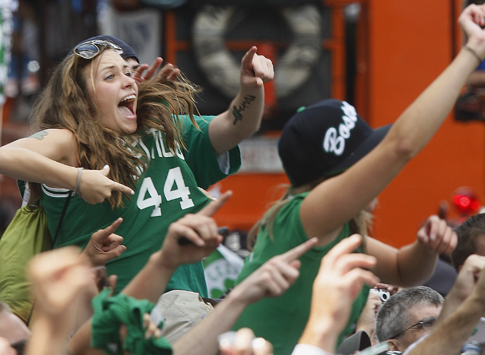 Photos The Big Celtics Rolling Champs NBA Rally - - -  2008