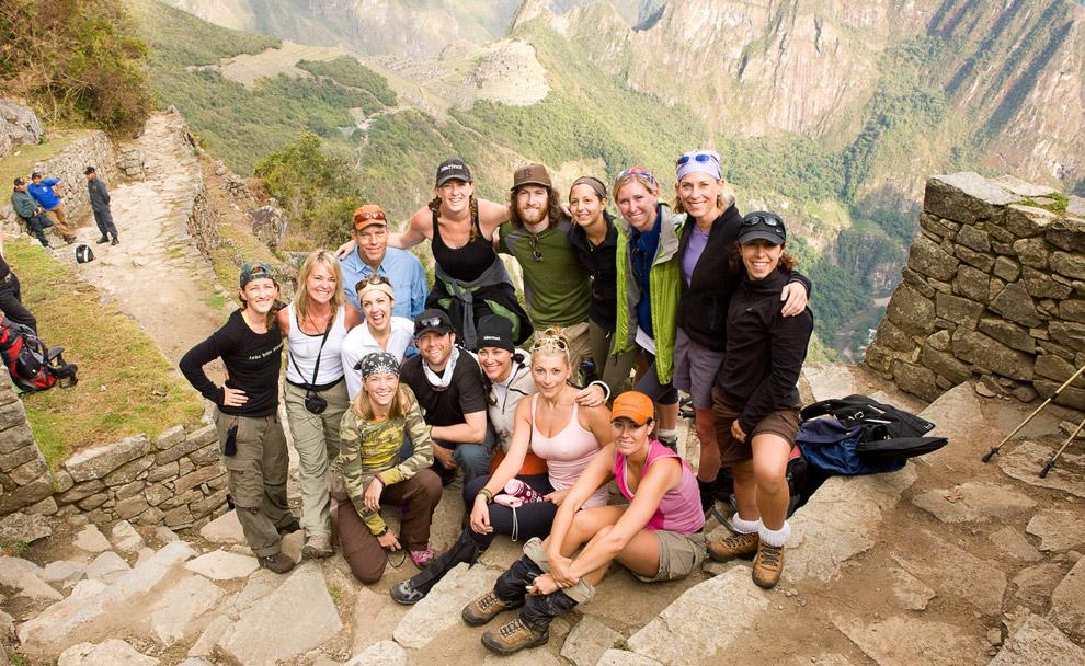 Шестнадцать человек из группы туристов из Колорадо, которые прошли весь путь вместе. 13 октября 2008. (© Gary Noel)
