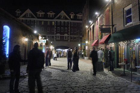 Tour Portland's night life - Boston.com