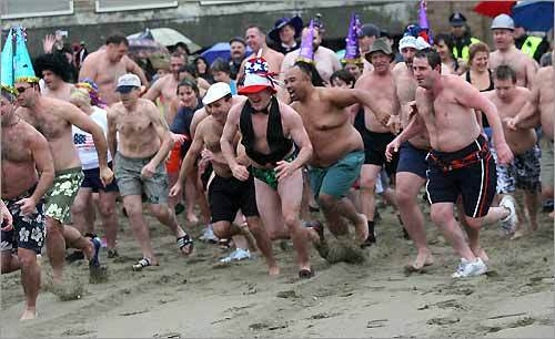 L Street Brownies New Year's swim - Boston com