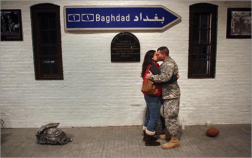 Hingham National Guard Company 1058 Leaves For Baghdad Boston Com