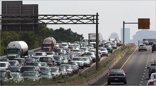 Pothole, traffic on I-93 - Boston com