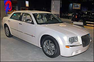 2007 Chrysler 300 Long Wheelbase Full Size Car New York While Many Models Have
