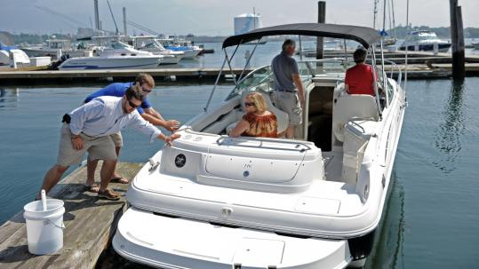 Boating on a budget at clubs - The Boston Globe