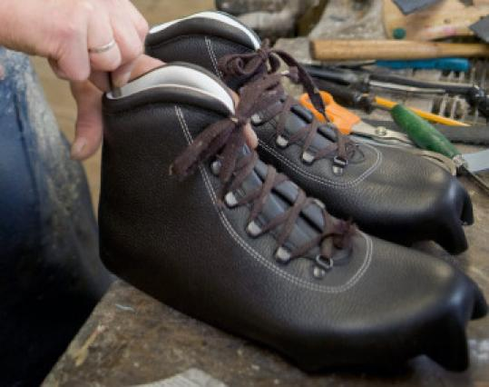 5b7bb0acc43 Hikers trek to N.H. barn for crafted boots - The Boston Globe