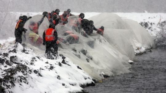 Blizzard Tests Inundated Levees Patience Of Fargo