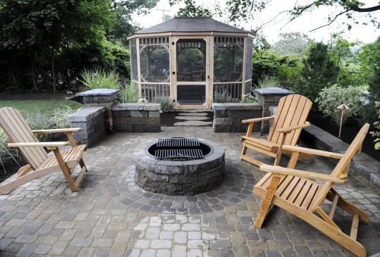 Indoors Out Team Transforms A Gloucester Backyard The Boston Globe