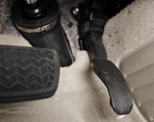 gas, pedal, recall, ETCS, Toyota, car, accident, wreck, crash, attorney