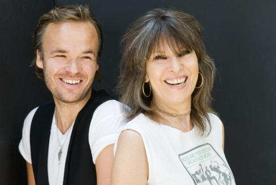 With a new band and album, Chrissie Hynde gets back to basics - The