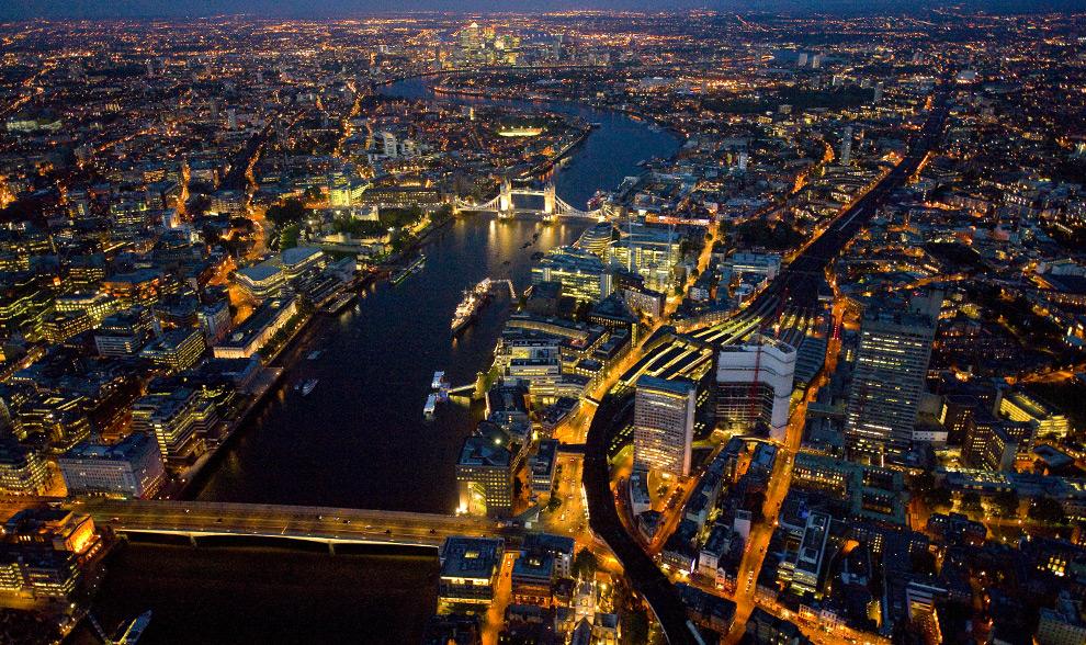 Серия London at Night...  Фотограф Jason Hawkes (43 фото - 11,55.Mb)