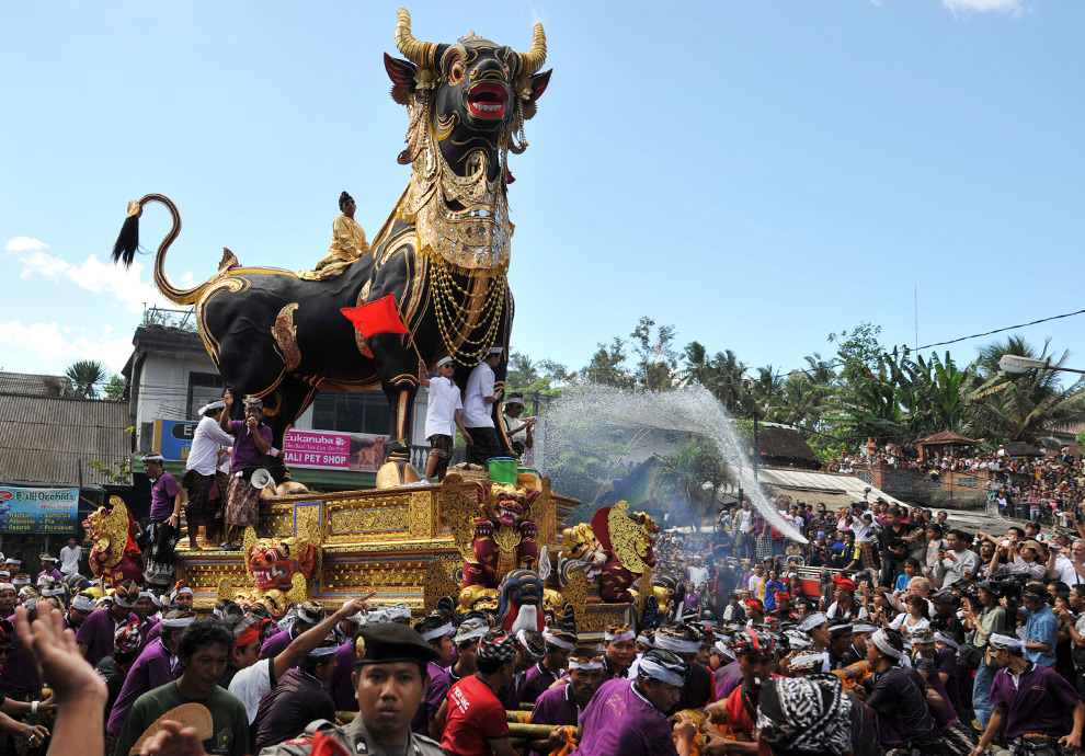 Indonesia Rituals Weddings And Funerals: A Royal Farewell In Bali