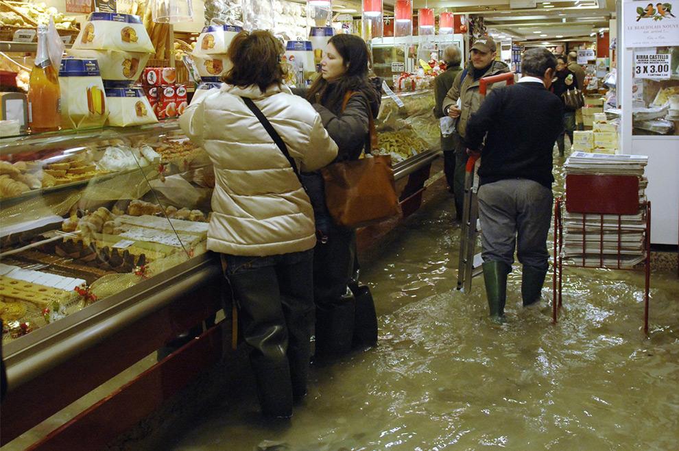 مدينة فينيس وشوراعها مائيه v25_17213103.jpg